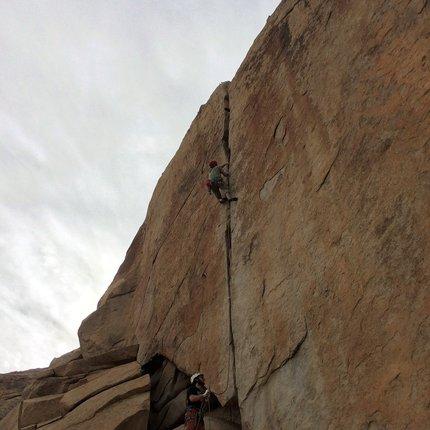 Trad climbing in Joshua Tree National Park