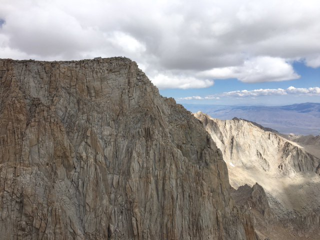 Mount_Whitney,_Keeler_Needle,_and_Mount_Muir_%22run%22_12