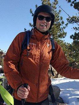 Portrait of Tobias Köhne in light ski gear.