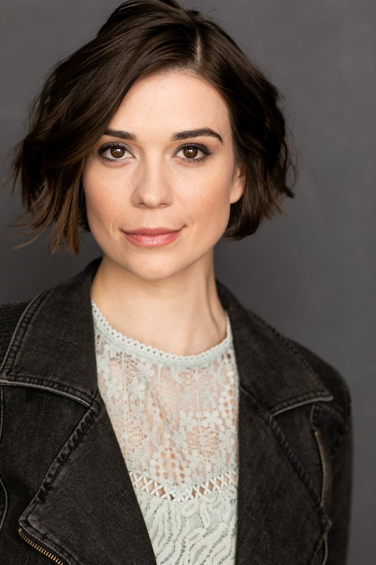 Headshot of Actress with bob cut