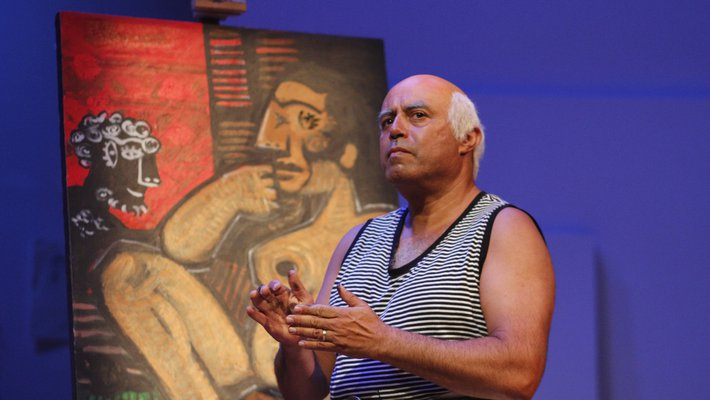 Herbert Siguenza as Picasso in his one man show.