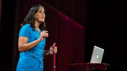Wanda Diaz Merced giving a talk
