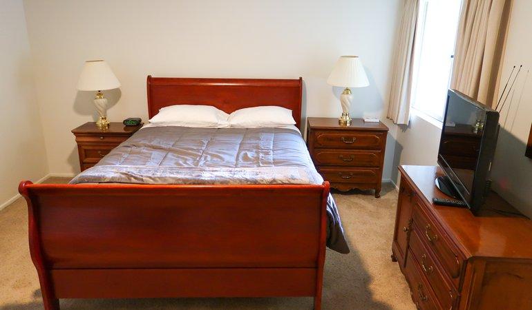 1066 27 Bedroom