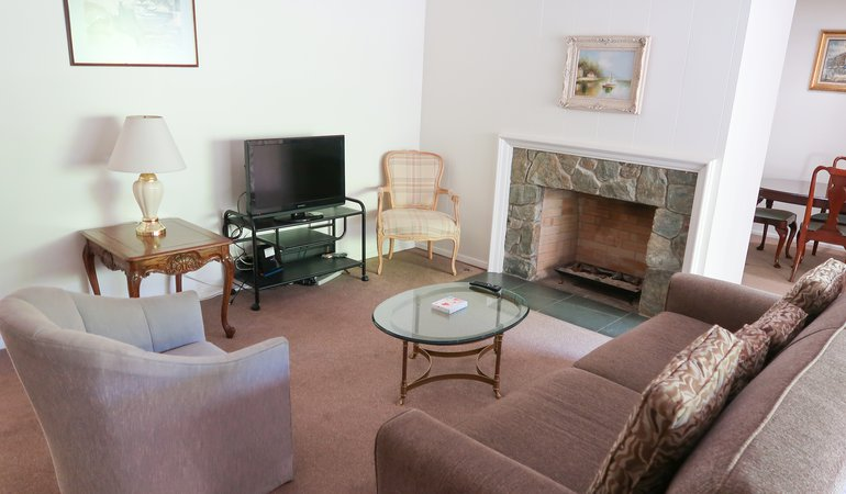 1066 8 living room