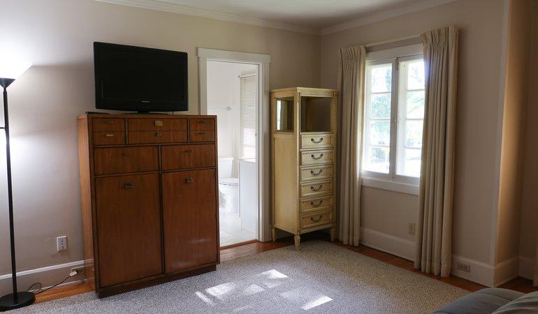 546 Bedroom 3