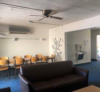 Braun Lounge
