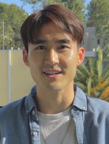 Headshot Alex Jin Hyung Chung