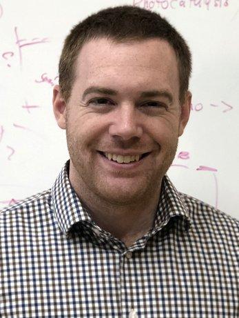 Headshot Scott Cushing