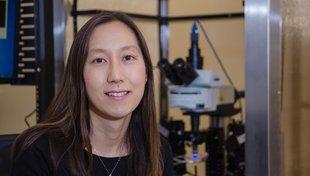 Headshot Elizabeth Hong
