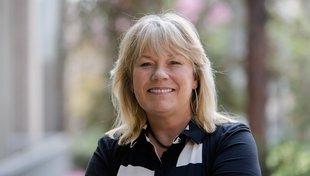 Headshot Mary Sikora