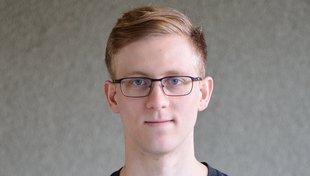 Headshot Tyler Marks