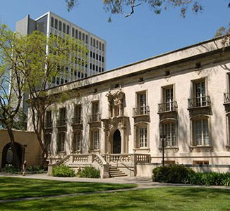 photo of Parsons-Gates Hall of Administration at Caltech