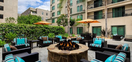 courtyard marriott patio