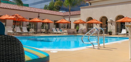 hotel constance pool