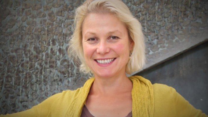 Julia Greer