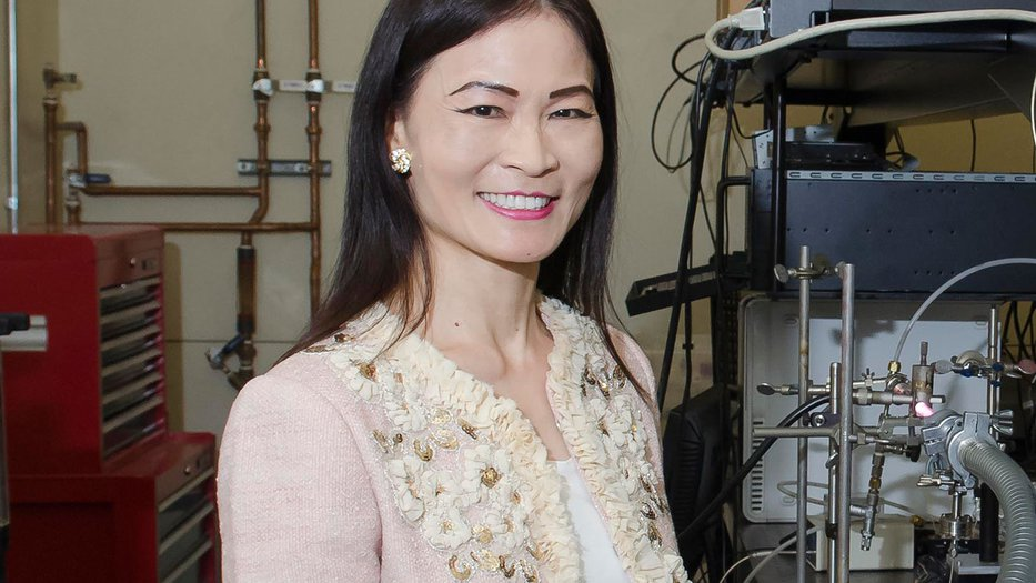 Photo of Nai-Chang Yeh standing in her laboratory