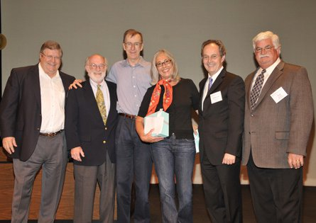 photo of Tom Dunn and Sheila Shull with Caltech dignitaries