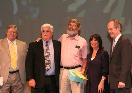photo of Dave Woody with Caltech dignitaries