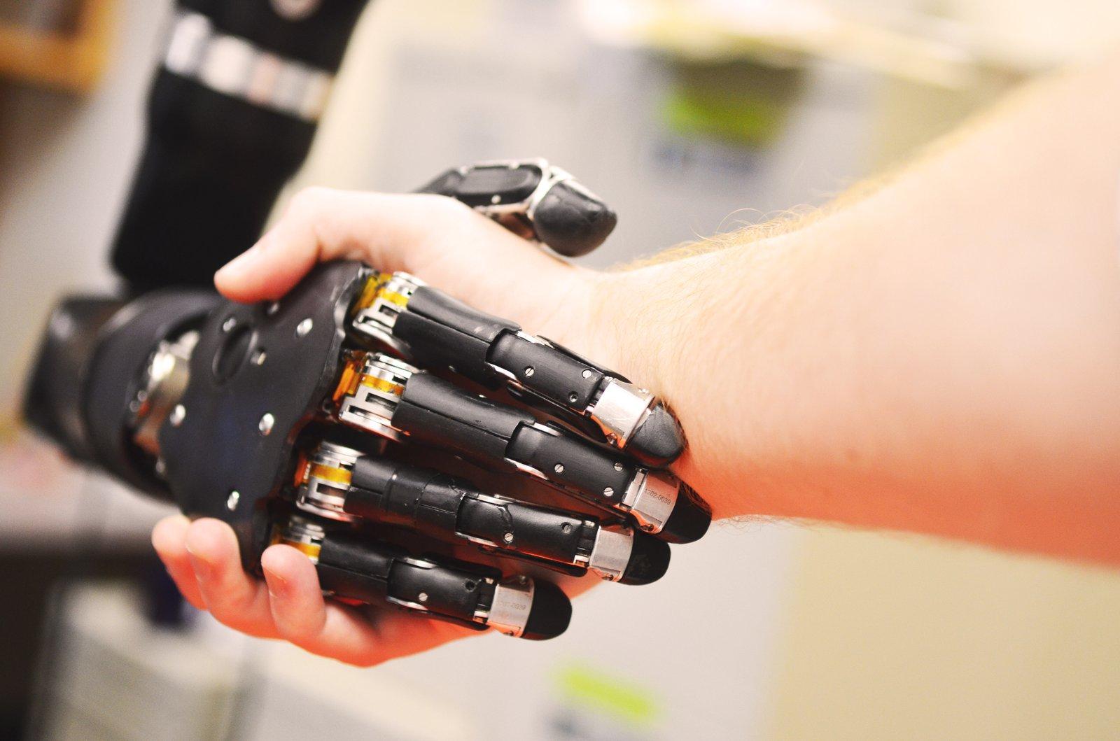 Robot handshake 2